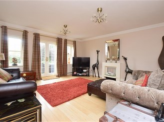4 bedroom link-detached in Kings Hill, West Malling
