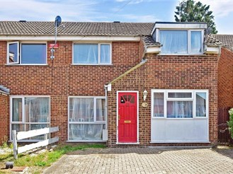 5 bedroom semi-detached house in Canterbury