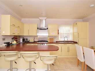 4 bedroom detached house in Margate