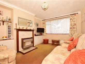 3 bedroom semi-detached house in Lords Wood, Chatham