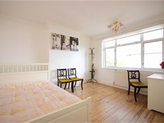 5 bedroom end of terrace house in Leyton, London