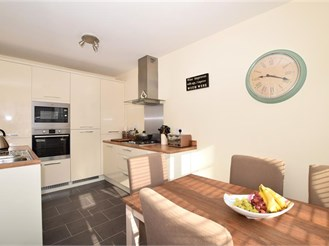 4 bedroom terraced house in Halling, Rochester