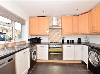 3 bedroom terraced house in Strood, Rochester