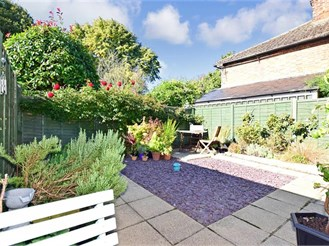 2 bedroom end of terrace house in West Malling