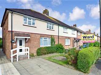 4 bedroom semi-detached house in Tonbridge