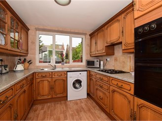 2 bedroom end of terrace house in South Norwood