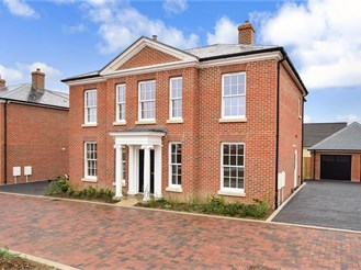 5 bedroom detached house in Whitfield, Dover