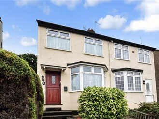 3 bedroom semi-detached house in Belvedere
