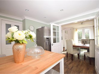 3 bedroom semi-detached house in Guston, Dover