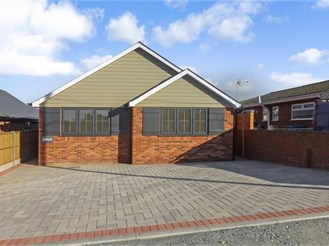 4 bedroom detached bungalow in Minster On Sea, Sheerness