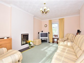 3 bedroom detached house in Wigmore, Gillingham