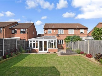 3 bedroom semi-detached house in Leybourne