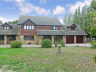 5 bedroom detached house in Hoo, Rochester