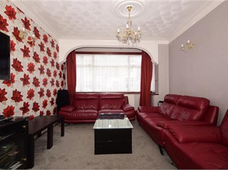 4 bedroom end of terrace house in Manor Park, London