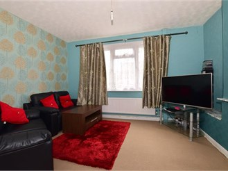 3 bedroom end of terrace house in Greenhithe