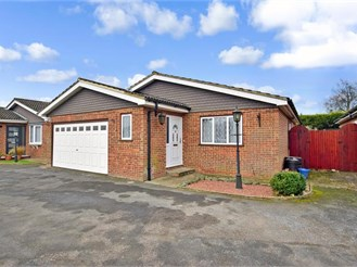 3 bedroom detached bungalow in West Kingsdown, Sevenoaks