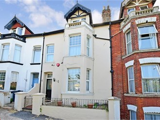 5 bedroom terraced house in Margate