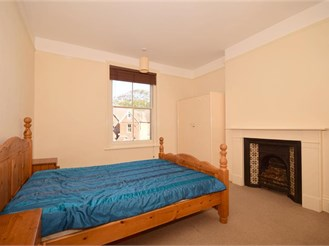 2 bedroom first floor converted flat in Folkestone