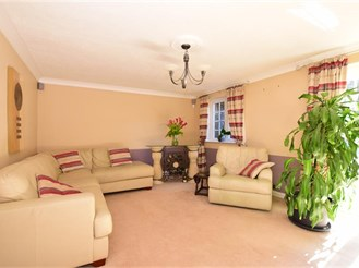2 bedroom semi-detached bungalow in Lords Wood, Chatham