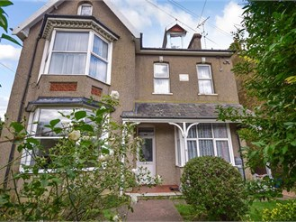 1 bedroom ground floor flat in Herne Bay