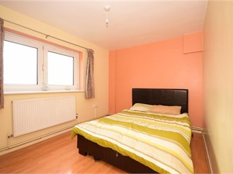 2 bedroom ninth floor flat in Stratford