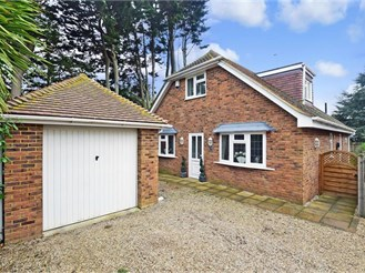 4 bedroom chalet bungalow in Herne Bay