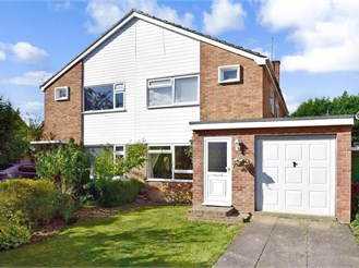 3 bedroom semi-detached house in Headcorn, Ashford