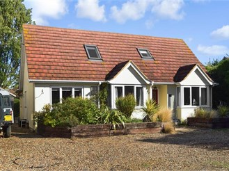 4 bedroom chalet bungalow in Seasalter, Whitstable