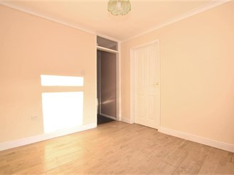 3 bedroom end of terrace house in Canterbury