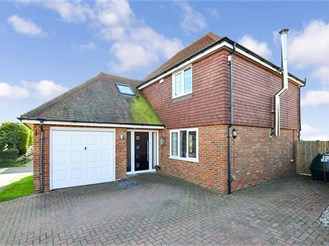 4 bedroom detached house in Court At Street, Lympne, Hythe