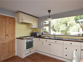 3 bedroom semi-detached house in Rotherfield, Crowborough