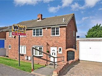 3 bedroom semi-detached house in Cliffe Woods, Rochester