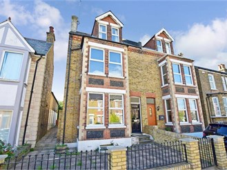 5 bedroom semi-detached house in Broadstairs