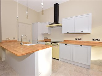 4 bedroom character property in Selling, Faversham