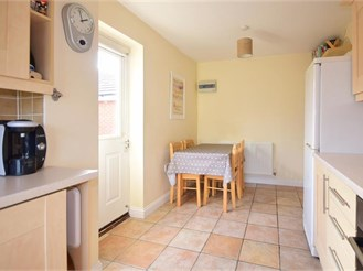 4 bedroom detached house in Seasalter, Whitstable