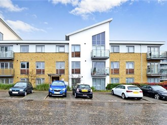 2 bedroom top floor apartment in Maidstone