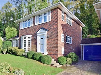 3 bedroom detached house in Hempstead, Gillingham