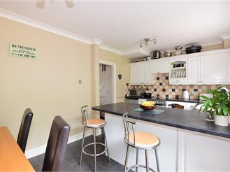 4 bedroom terraced house in Rochester