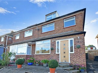 5 bedroom semi-detached house in Sutton At Hone, Dartford
