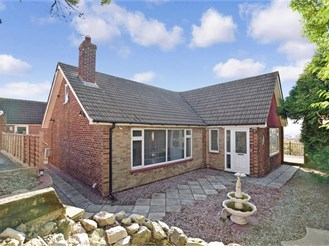 3 bedroom detached bungalow in Frindsbury, Rochester