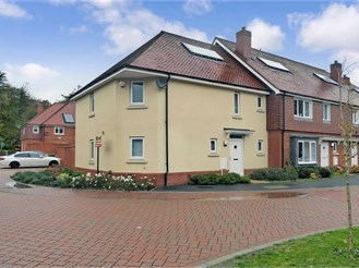 3 bedroom end of terrace house in Chilham, Canterbury