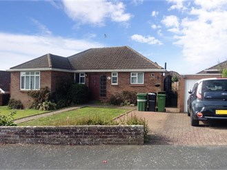 3 bedroom detached bungalow in Teston, Maidstone