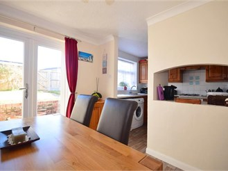 3 bedroom end of terrace house in Whitfield, Dover