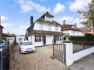 8 bedroom detached house in Cliftonville, Margate