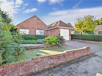 4 bedroom chalet bungalow in Eythorne, Dover