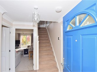 4 bedroom detached house in Minster On Sea