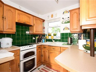 3 bedroom end of terrace house in Plaistow, London