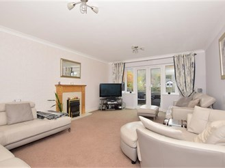 4 bedroom detached house in Cuxton, Rochester