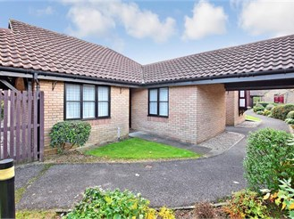 2 bedroom detached bungalow in Ashford