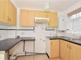 2 bedroom terraced house in Queenborough